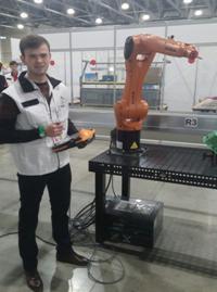 робот 9