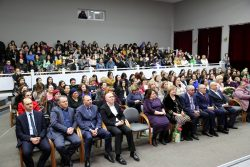 В КБГУ прошел концерт в честь Международного женского дня