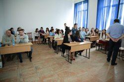 Молодой ученый-биолог, выпускник КБГУ прочитал лекцию для студентов института химии и биологии