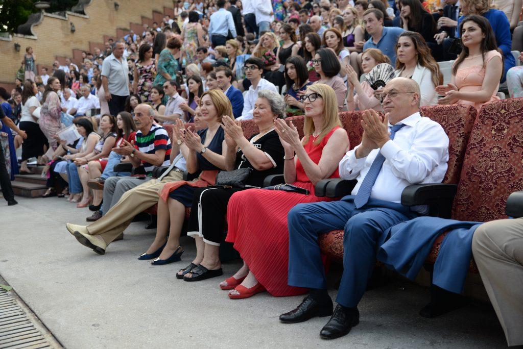 645 выпускников КБГУ получили красные дипломы