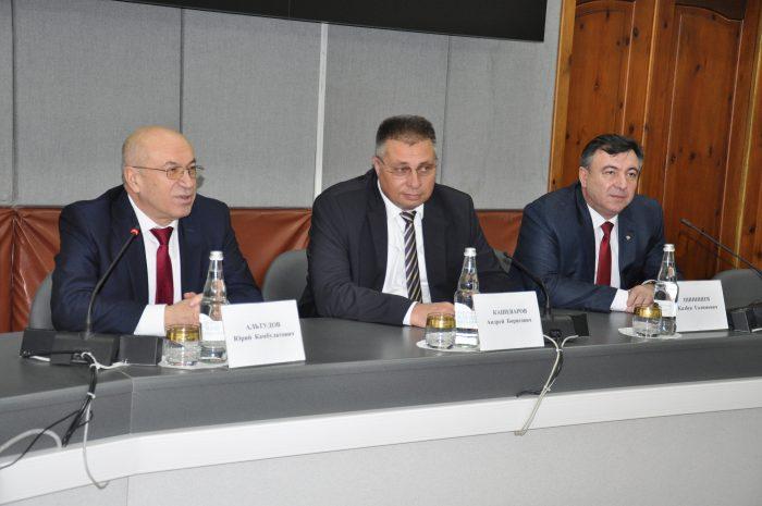 Заместитель руководителя ФАС России Андрей Кашеваров пообщался со студентами КБГУ