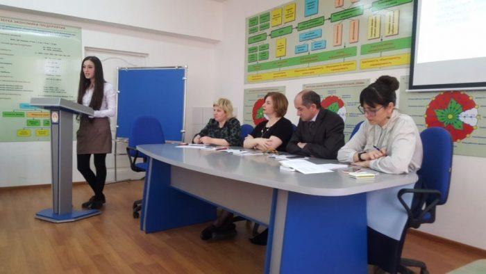 Будущие педагоги за круглым столом в КБГАУ