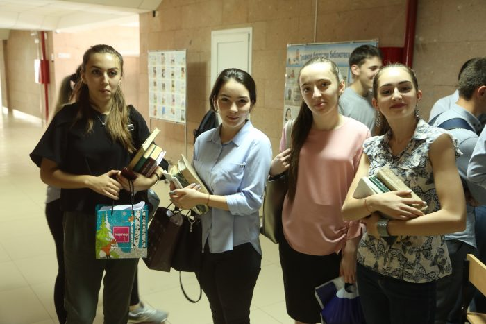 Знакомство первокурсников с библиотекой КБГУ