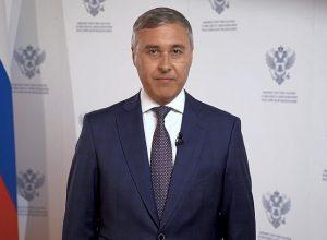 Валерий Фальков поздравил выпускников 2020 года