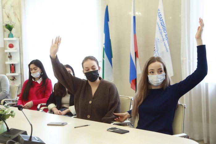 Студенты КБГУ приняли участие в диалоге с Главой КБР